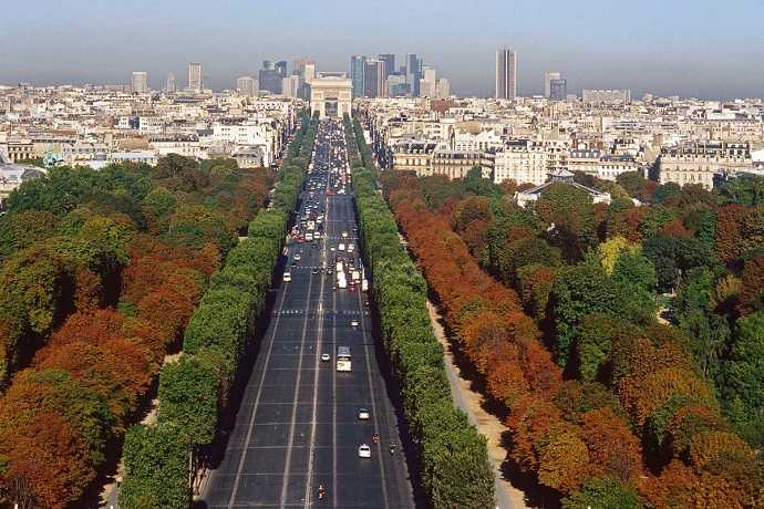 "Paris Şanzelize Bulvarı ""Champ Elysees"""