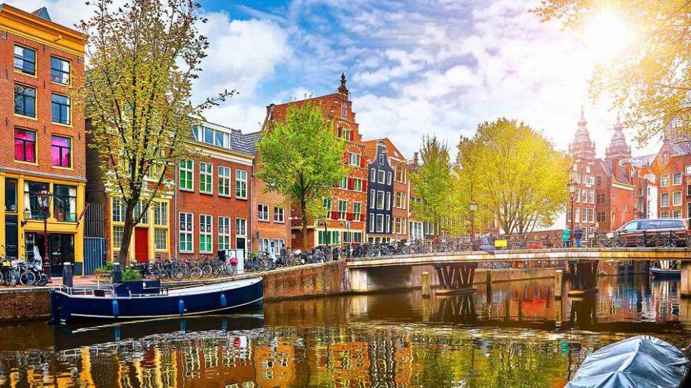 amsterdam'da türkçe rehberle şehir turu
