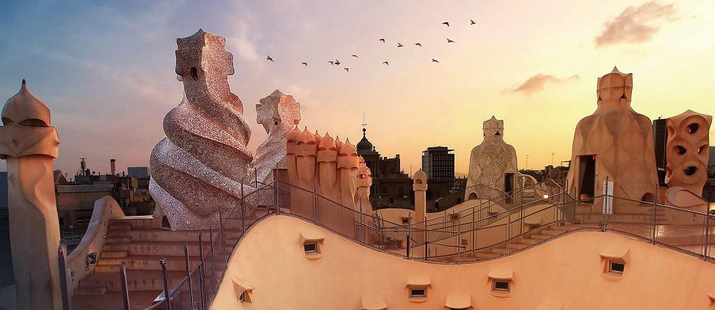 Barselona'da özel araç ve rehberle Gaudi turu