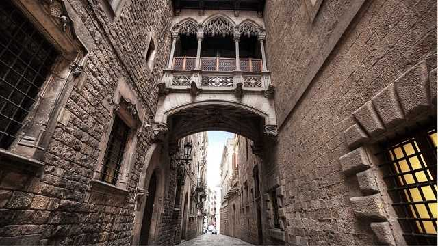 Barri Gotic, Gotik Mahalle, Sant Jaume Meydanı, Ah Köprüsü, Bridge of sighs