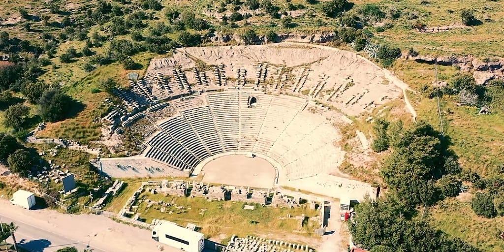 bodrumda rehberli turlar, antik tiyatro ziyareti