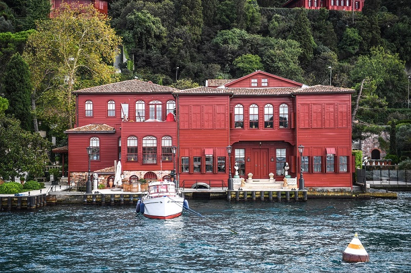 waterside mansions and yali's of bosphorus