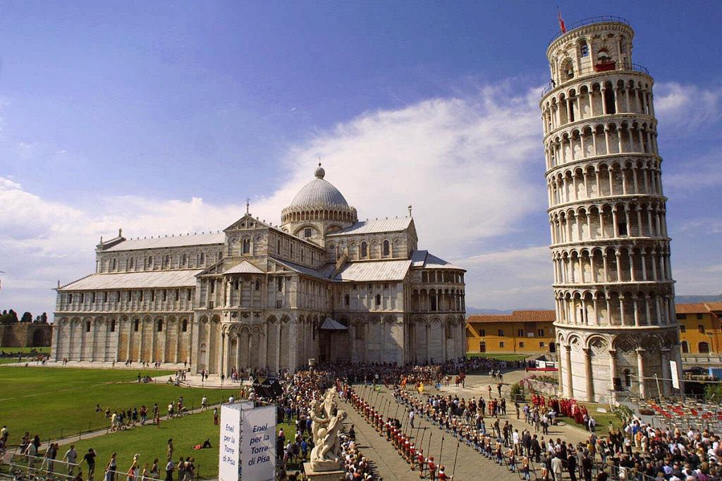 ticket lines and buying online ticket for Pisa Tower