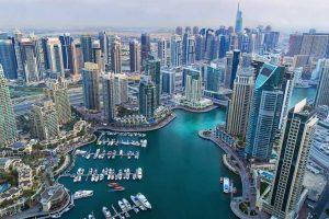 "Burj Khalifa, Dubai Mall, Dubai Aquarium, Bastakia, traditionelle Stadtteile Bur Dubai und Deira, Überquerung der Flussmündung mit traditionellen Booten, Besichtigung der traditionellen Basare ""Gold Souk und Spice Souk"", Jumeirah Moschee, Sheikh Zaid Boulevard, Jumeirah Strand und berühmtes 7-Sterne-Hotel ""Burj Al Arab"", Palm Island, Atlantis Hotel, Dubai Marina"