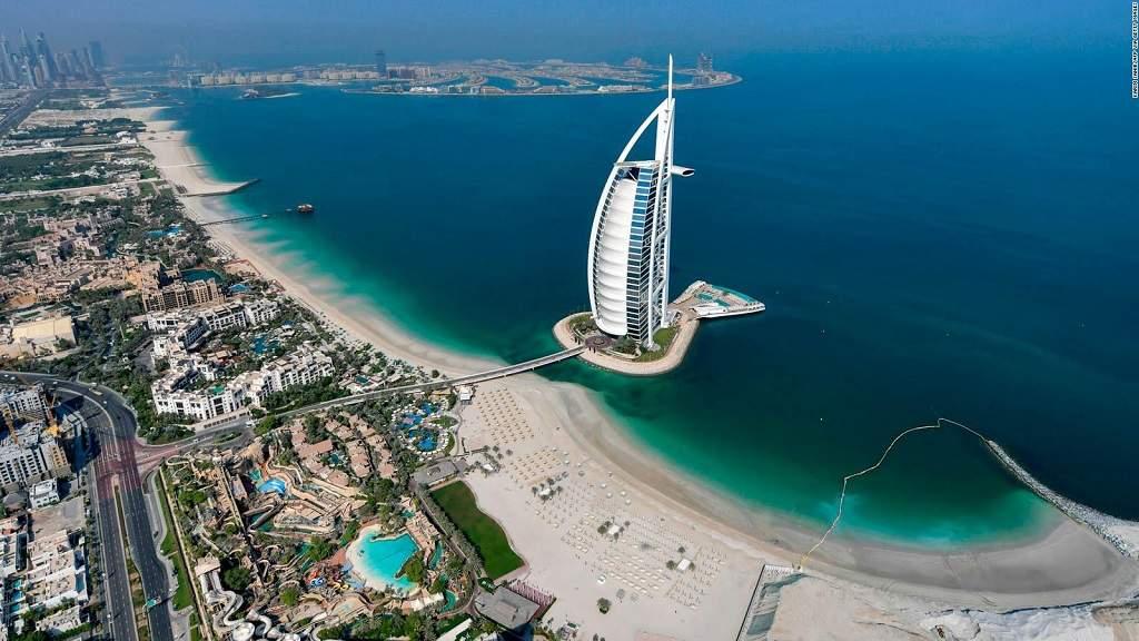 Visites privées à Dubaï en français, visite privée de la ville avec chauffeur et guide en français à dubaï, journée complète à abu dhabi et safari dans le désert