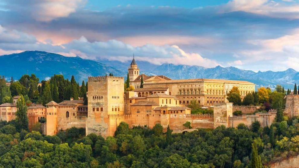 sevilla, malaga, cordobadan elhamra sarayına ve granadaya nasıl gidilir