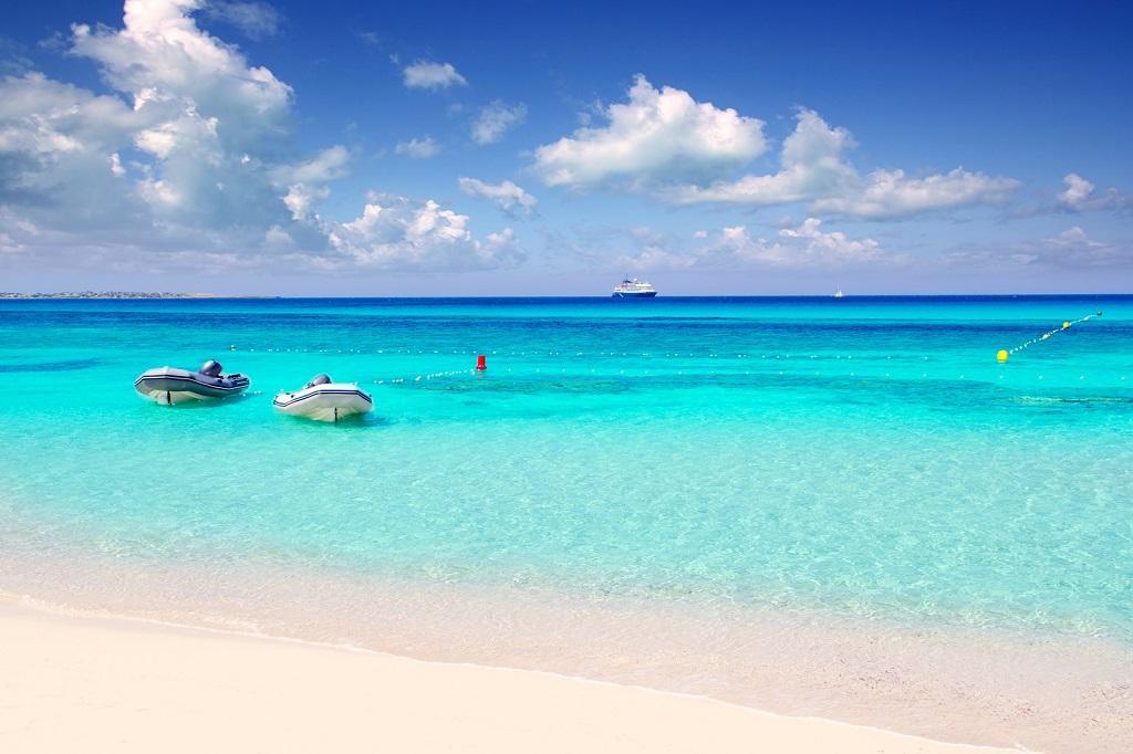 formentera adası, İbiza'nın en güzel plajı