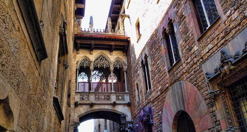 gotic mahalle, barcelona'da gezilecek yerler