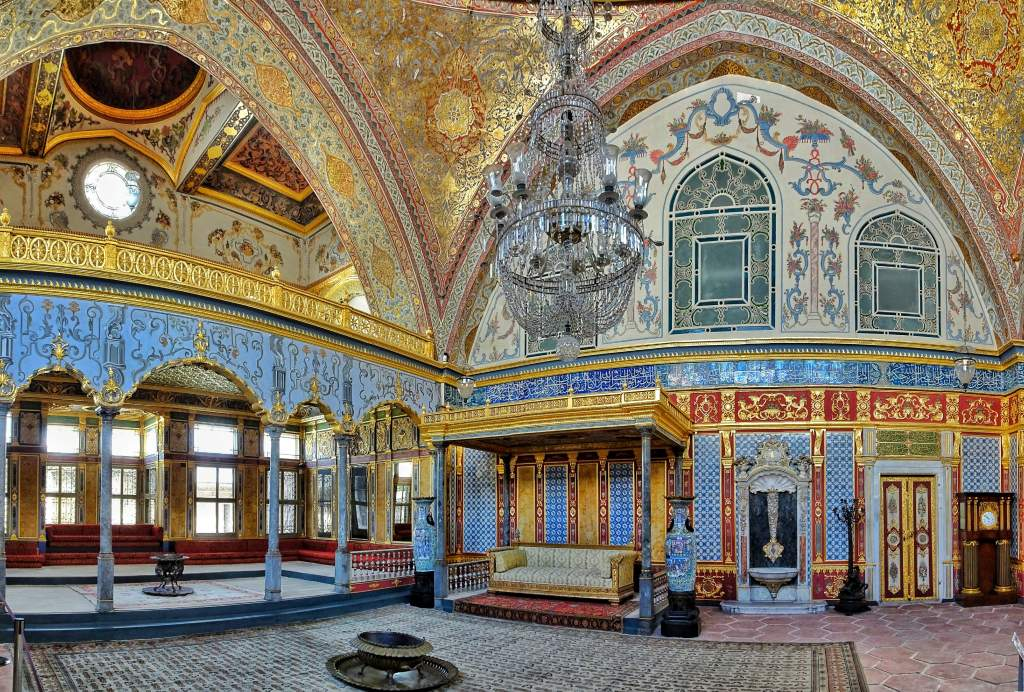 Istanbul city tour, topkapi palace, harem section