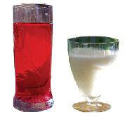 Kanelada, sumada, serinletici Yunan içeceği