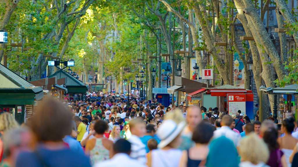 las ramblas bulvarı, barcelona'da gezilecek yerler