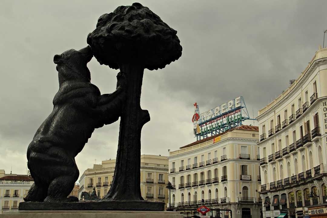 Madrid Plaza Sol, Ayı Heykeli