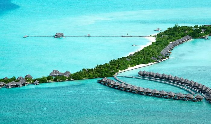 Maldivler su üstü bungalov