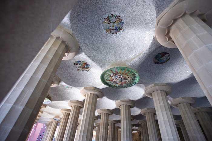 gezilecek yerler, Sala Hospitalia, park güell, güell parkı, barcelona, gaudi