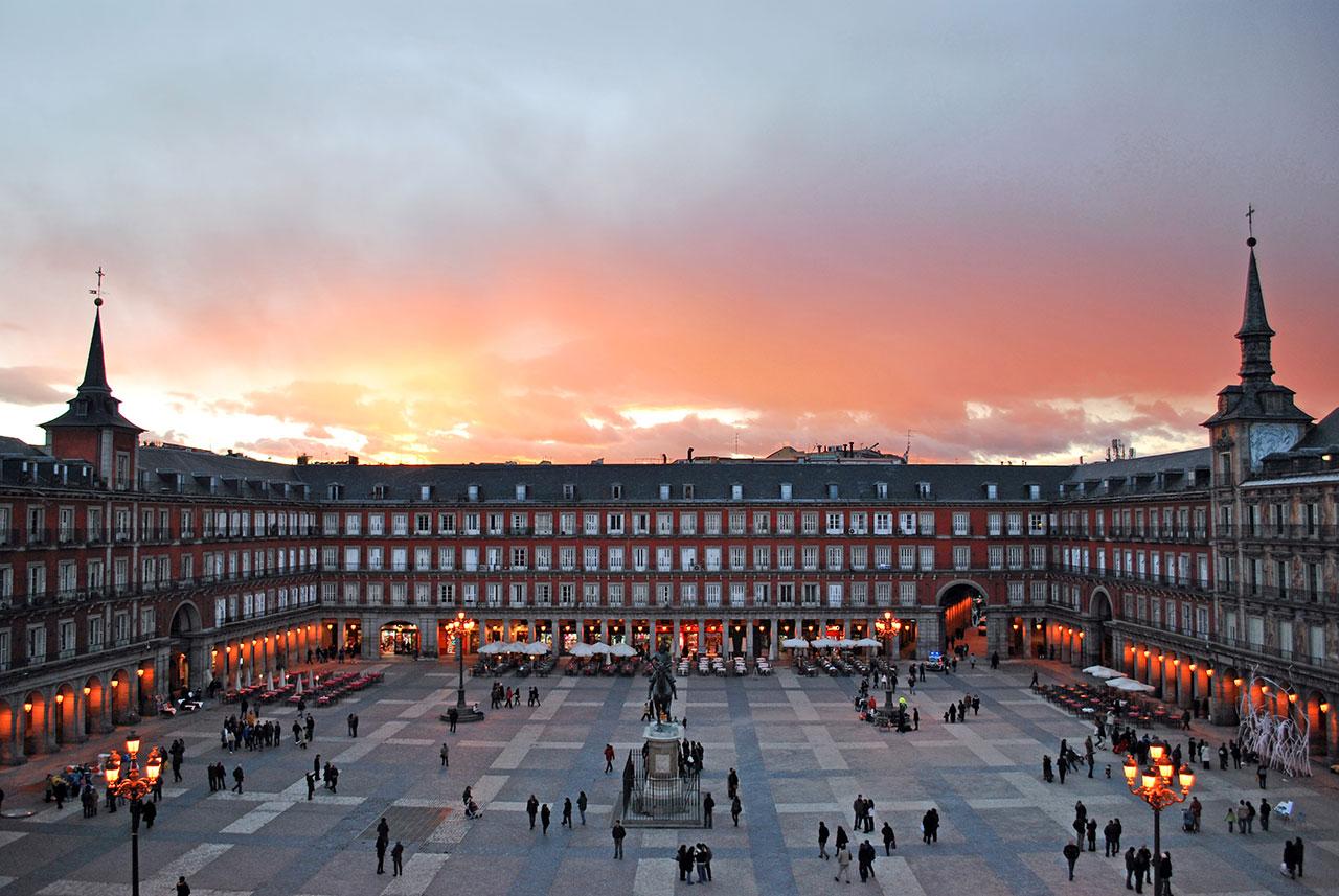 Plaza Mayor ve Sol Meydanı