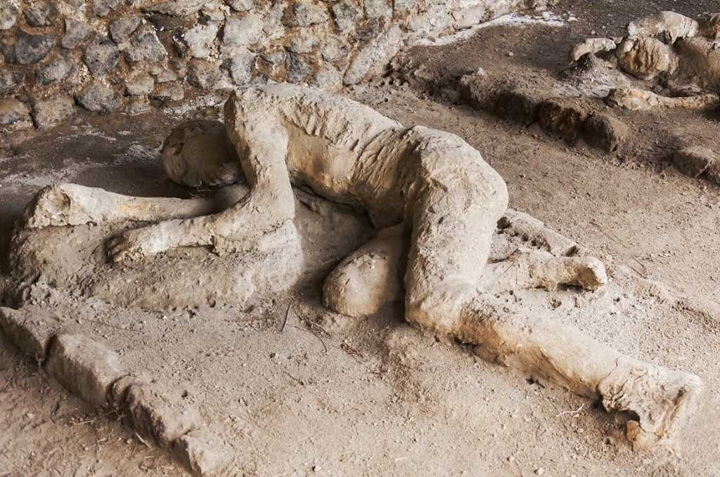 famous human bodies of Pompeii