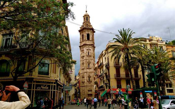 santa catalina kilisesi ve miguelete kulesi