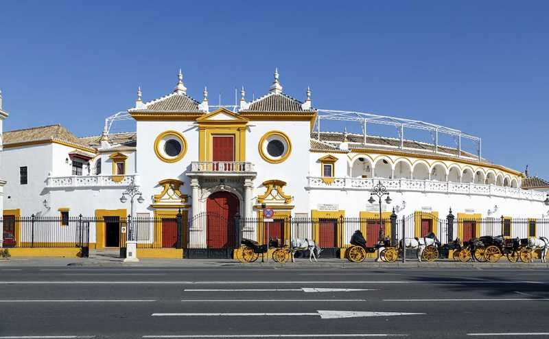 sevilla tarihi boğa güreşi arenası, Plaza de Toros Real Maestranza