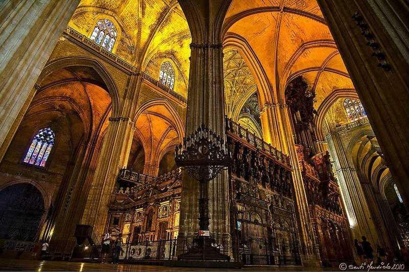 sevilla katedralinin içi