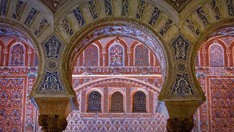 sevilla müslüman hakimiyeti, alkazar sarayı (palacio de alcazar)