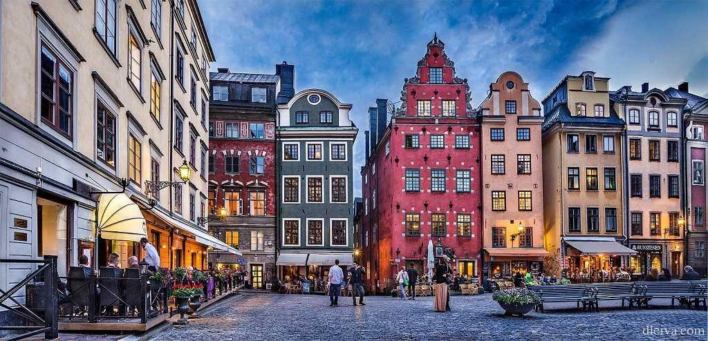 """stockholm'de gezilecek görülecek önemli yerler """"stortorget"""""""