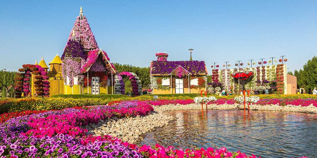 Svensk Privat Guide i Dubai; Jumeirah Complex, biljett och besöka Burj Al Khalifa, Magical Fountain show.