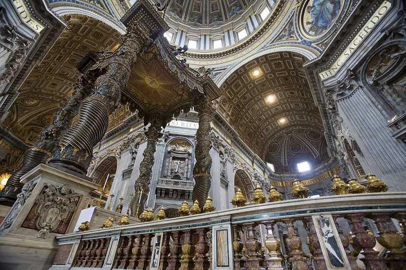 Wichtige Kunstwerke im Peters Basilika Vatikan